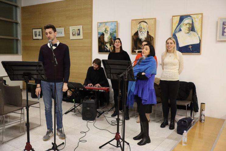 002-Glazbeni-program-obitelj-Vukina-Matija-Antoli-i-zbor-Hrid